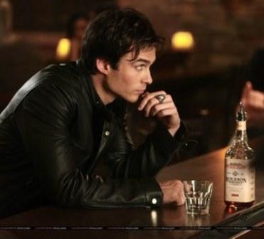 Anel da Série The Vampire Diaries Damon Salvatore Vintage cor Prata Antiga