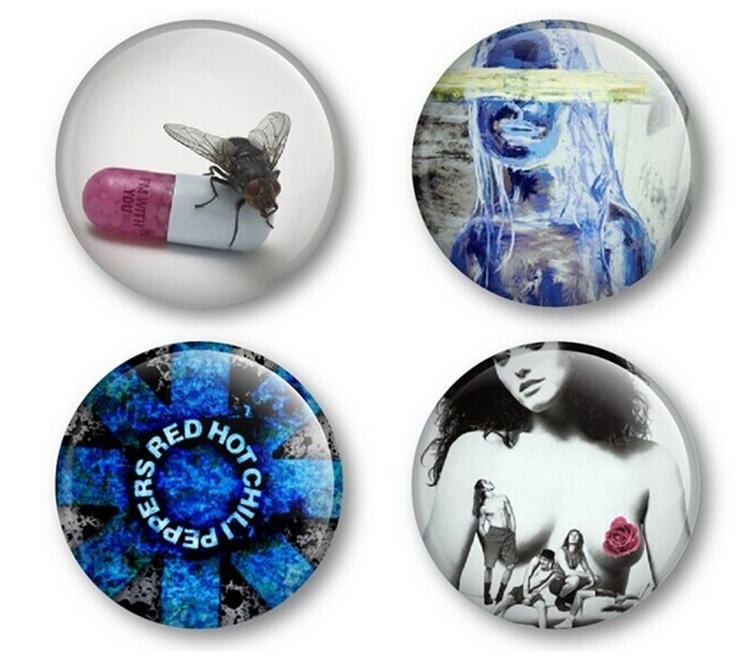 Broche Bottom Red Hot Chili Peppers Fãs de Rock 38mm 4 unid