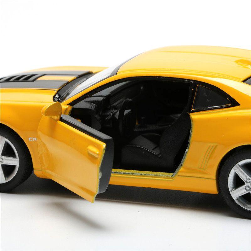 Carro Chevrolet Camaro de Miniatura 1:38 Coleção Brinquedo Portas Abrem