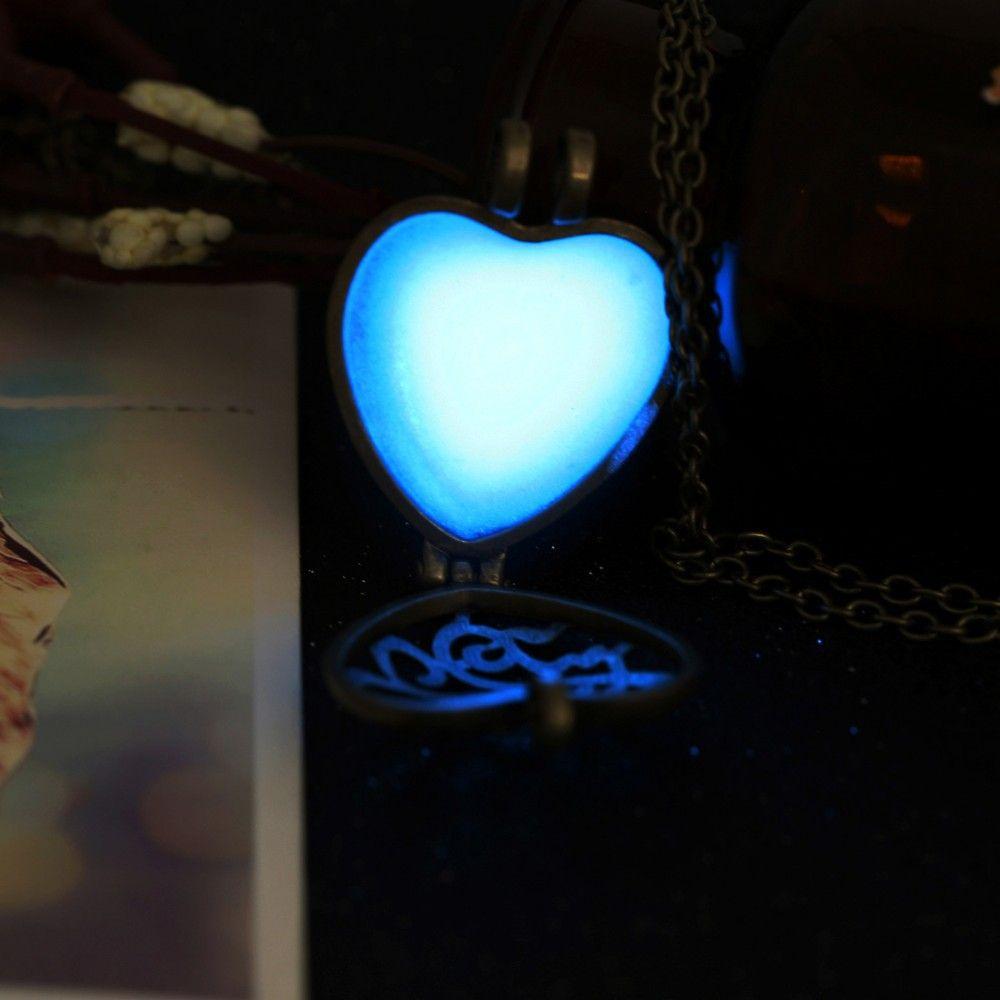 Colar Cordão Pingente Redondo ou Coração de Cabochão de vidro Fluorescente