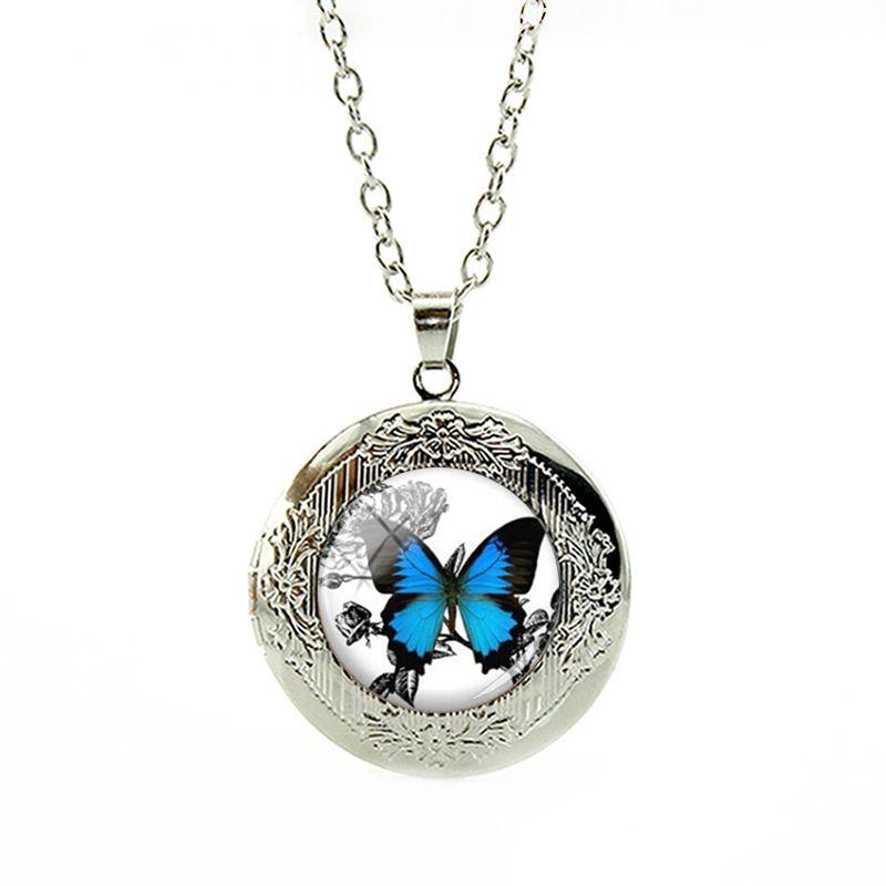 Cordão Colar com Pingente medalhão Borboleta Azul Vintage Vidro