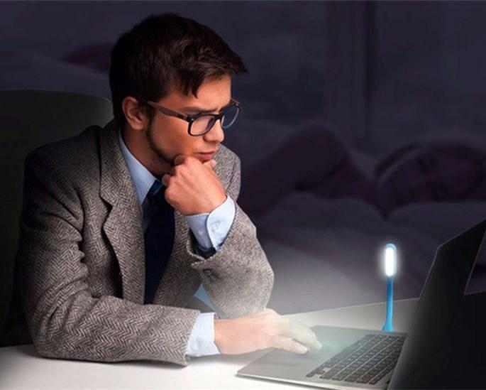 Lâmpada para Notebook Luminária Flexível Portátil USB 5V 1.2W Protege os Olhos