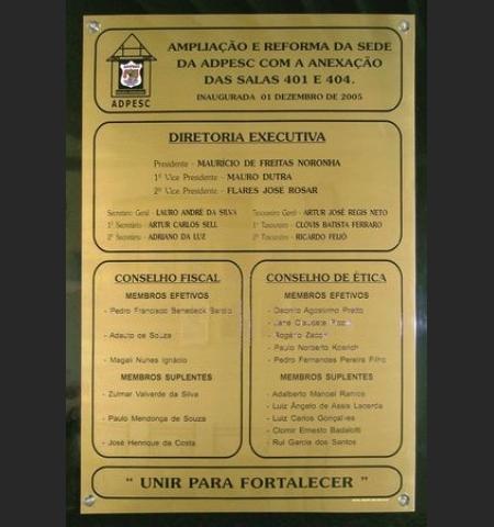 Placa/Chapa de Alúminio Dourada 20x15cm Personalizada homenagem ou identificação