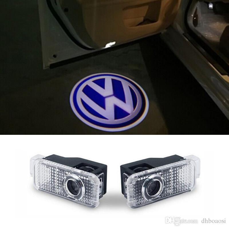 Projetor LED de porta de carro projeta Logo da Volkswagen no chão