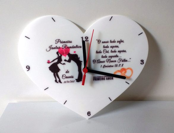 Relógio de Parede Formato de Coração 23,5cm Acrílico Personalizado