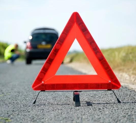 Triângulo de Segurança Sinalização Advertência para Carro enguiçado com Pé Emergência Universal