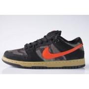 Tênis Nike SB - Dunk Low Premium SB Black/Team Orange-Rough Green