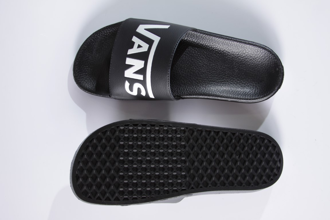 Chinelo Vans - W/M Slide On (Vans) Black  - No Comply Skate Shop
