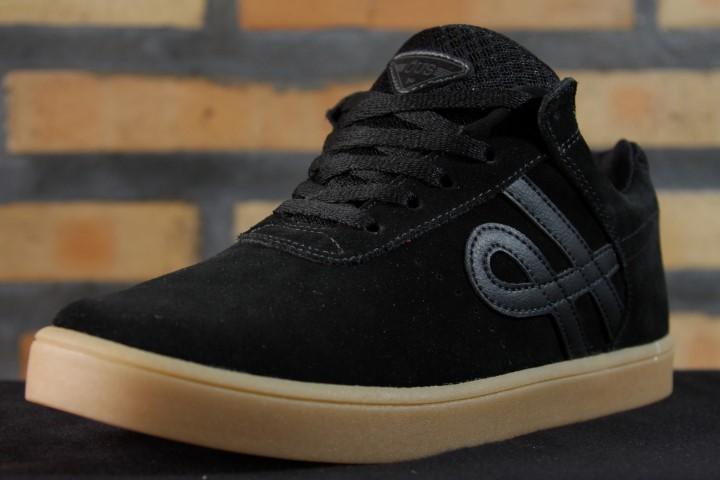 Tênis Öus - Quartzo Preto Essencial  - No Comply Skate Shop