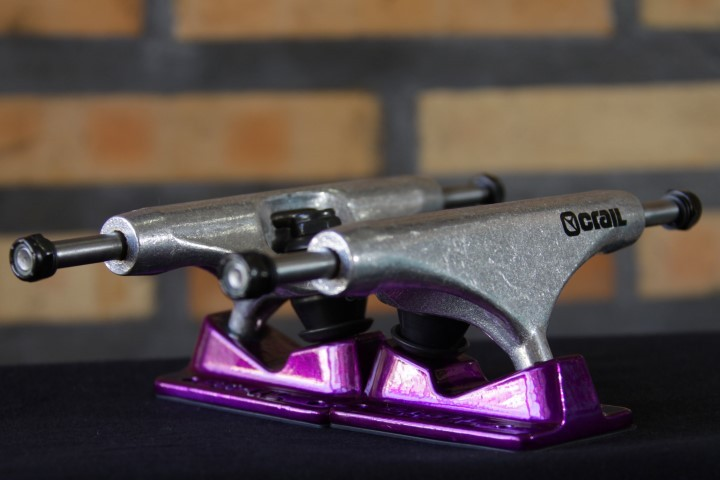 Truck Crail 136 Mid Solid Logo Purple/Silver  - No Comply Skate Shop