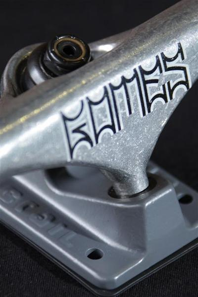 Truck Crail Mid 136 Tipografia Gomes  - No Comply Skate Shop