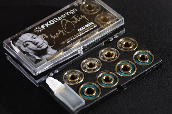 Rolamento FKD Bearings - Clear Case Chaz Ortiz Abec 7  - No Comply Skate Shop
