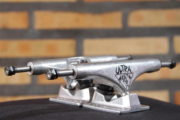 Truck Crail 149 Mid Cris Mateus Pro Model - Ultra Skate Silver  - No Comply Skate Shop