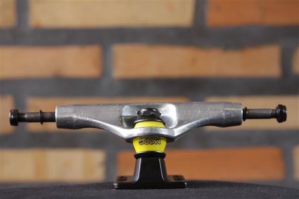 Truck Crail 139 Mid Enxaqueca XV Black/Silver  - No Comply Skate Shop