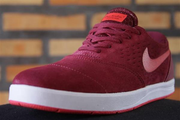 Tênis Nike SB - Eric Koston 2 Team Red/Laser Crimson White  - No Comply Skate Shop