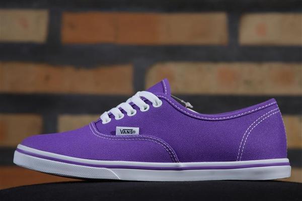 Tênis Vans - U Authentic Lo Pro Electric Purple (Neon)  - No Comply Skate Shop