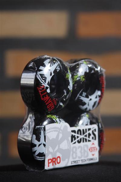 Roda Bones - STF Streettech V3 Gravette Zombie Black 54mm  - No Comply Skate Shop