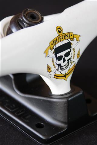 Truck Crail 129 Mid Letícia Bufoni Black/White  - No Comply Skate Shop