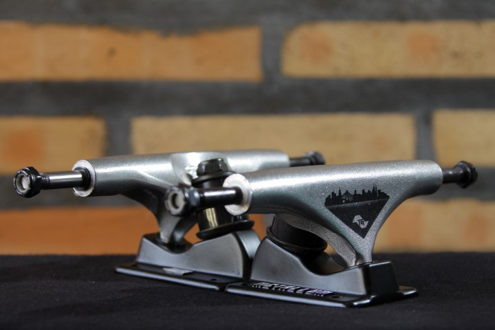 Truck Metallum 139 Thiago Garcia Black/Silver  - No Comply Skate Shop