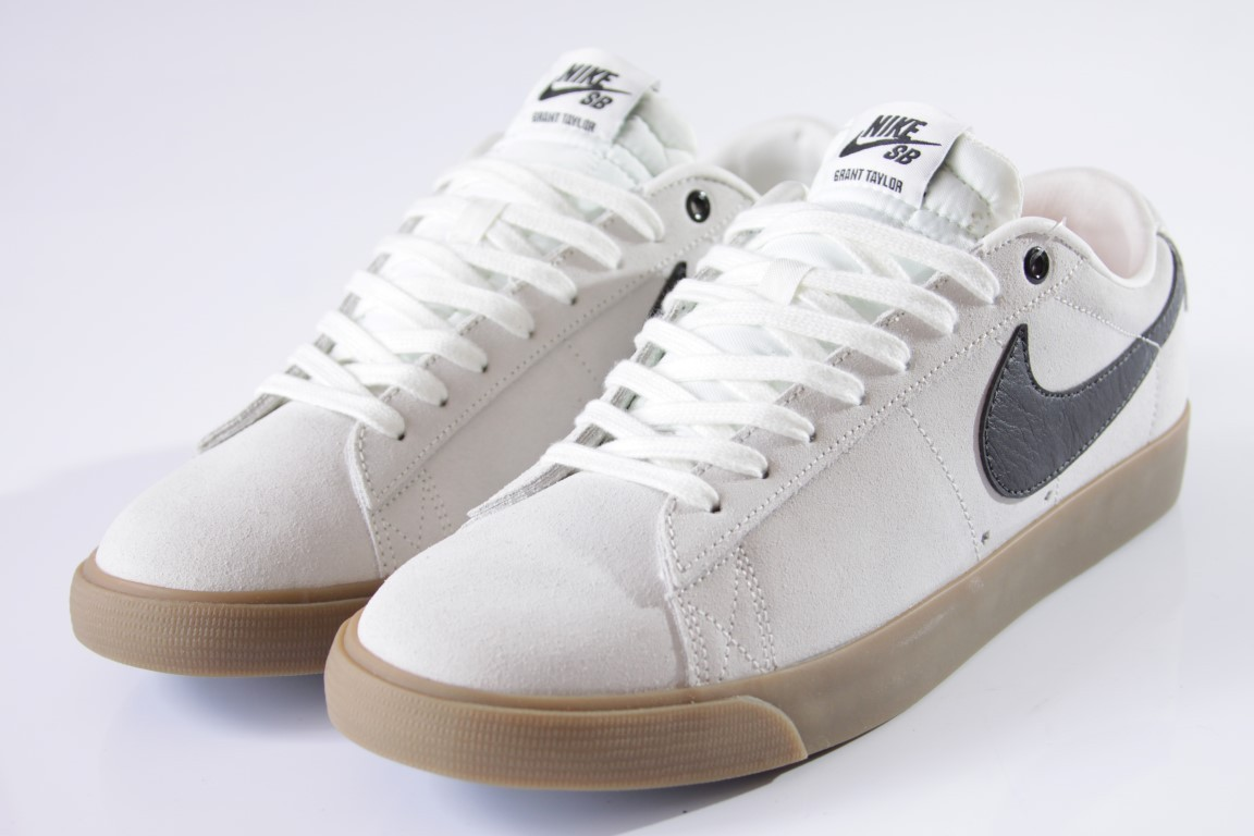Tênis Nike SB - Blazer Low GT Ivory/Black-Gum  - No Comply Skate Shop