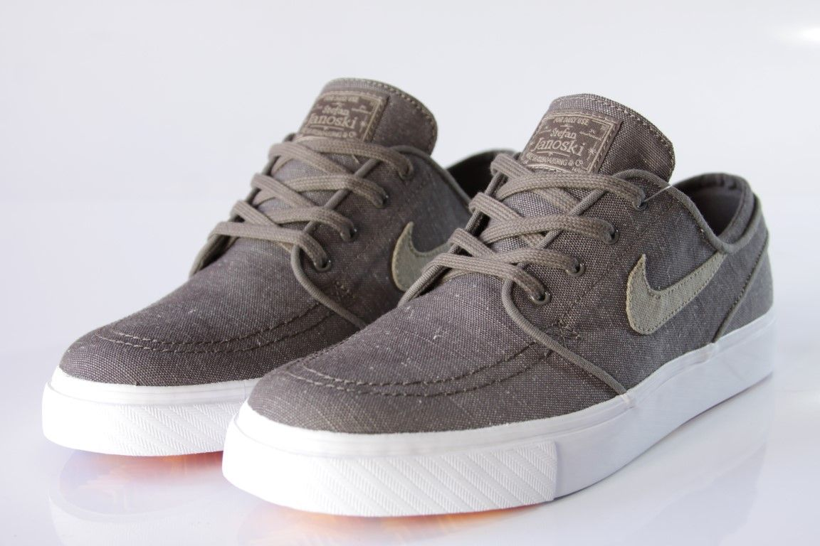 low priced 79283 08576 ... Tênis Nike SB - Zoom Stefan Janoski Canvas Deconstructed  Ridgerock Khaki - No Comply Skate ...