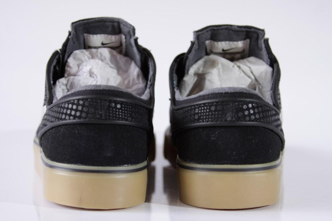 Tênis Nike SB - Zoom Stefan Janoski PR SE Blk/MDM Gry-Gm Lght Brwm  - No Comply Skate Shop