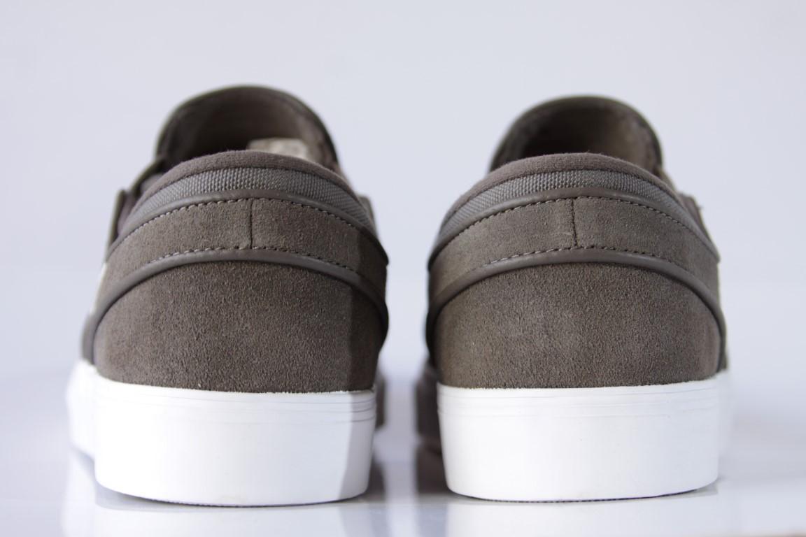 Tênis Nike SB - Zoom Stefan Janoski Slip Ridgerock/Fossil-White  - No Comply Skate Shop