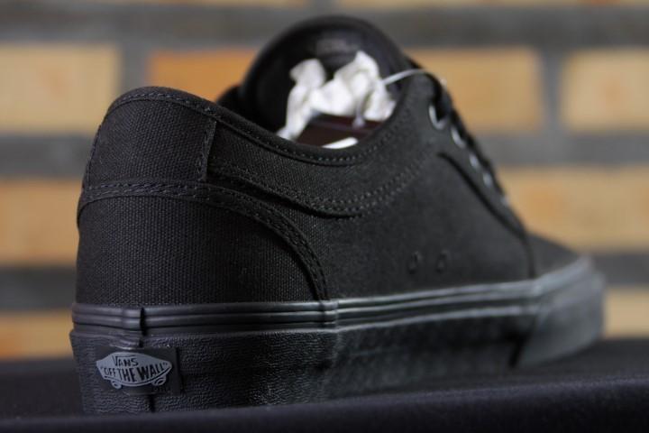 Tênis Vans - MN Chukka Low Blackout  - No Comply Skate Shop
