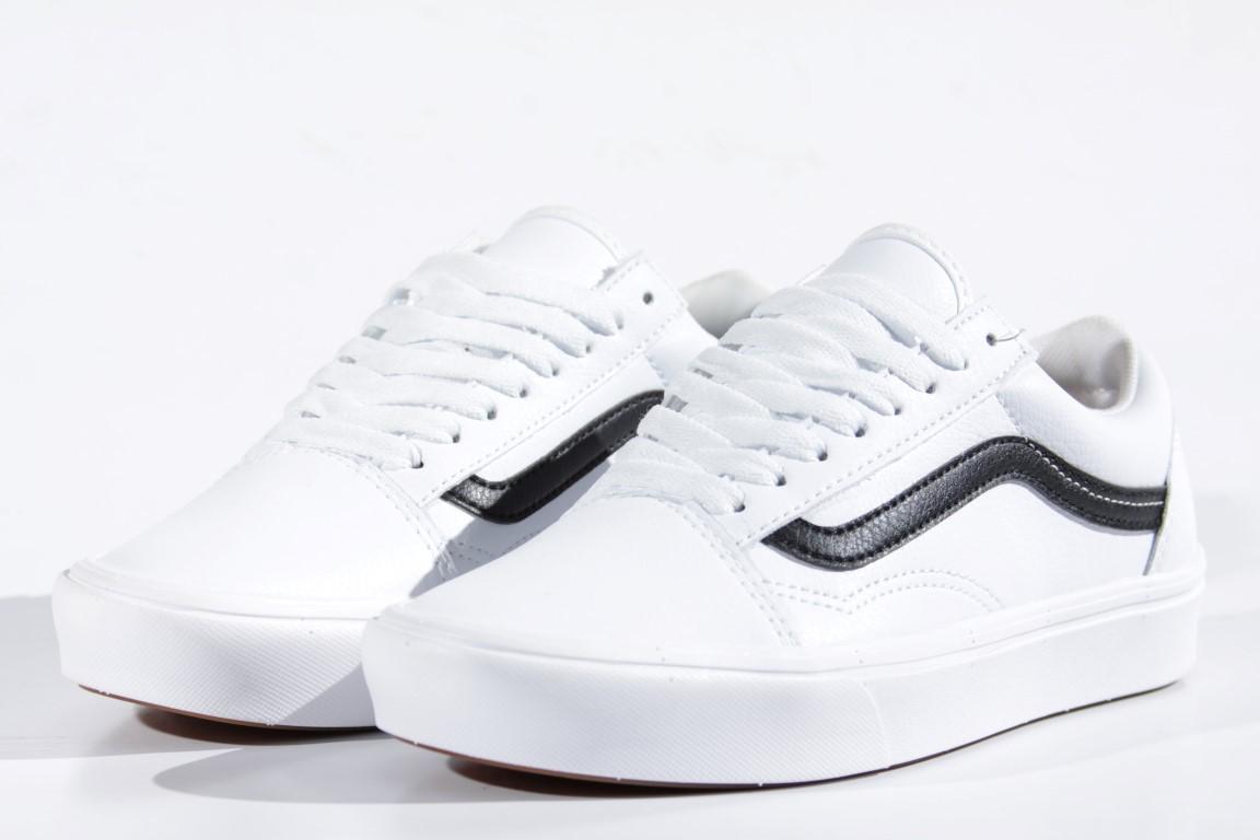 Tênis Vans - UA Comfycush Old Skool (Classic Tumble) True White  - No Comply Skate Shop