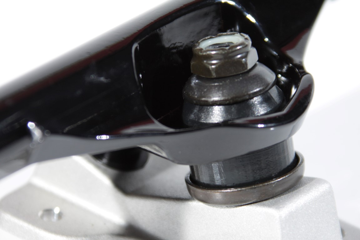 Truck Trurium - 139 Low Preto/Jateado  - No Comply Skate Shop