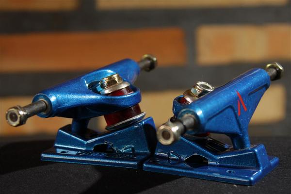 Truck Venture Low Blue  - No Comply Skate Shop