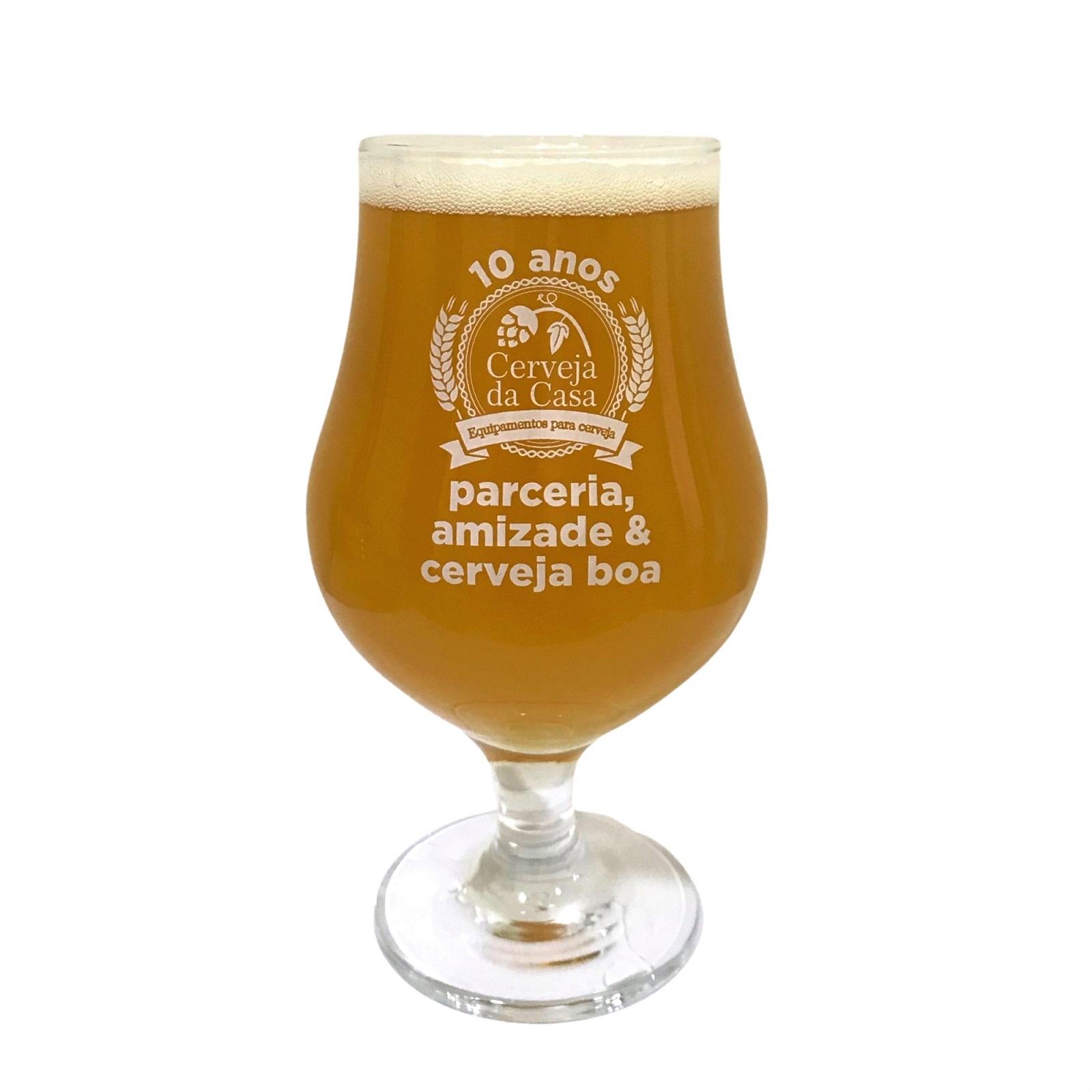 """Taça Cerveja da Casa 10 anos """"Parceria, amizade e cerveja boa"""" 400ml"""