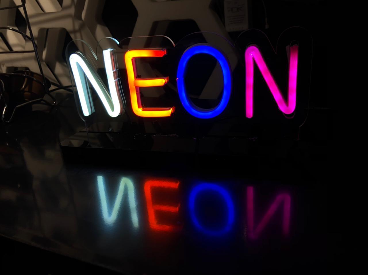 Luminária NEON  - DESIGN CRIATIVO