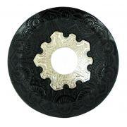 Prato para narguile modelo Vennus 17cm de diâmetro. Liga metálica inox e decorado. PRETO centro PRATEADO.