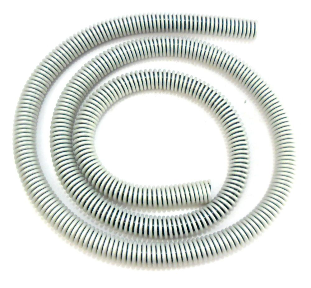 Mangueira Helix, antichamas, marca Fulgore, em silicone com espiral externa. 1,65m de comprimento.
