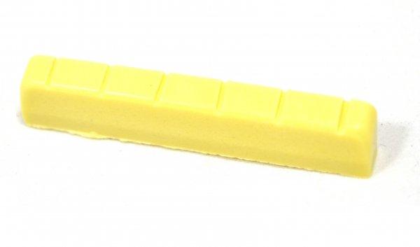 Nut de plástico cor creme para violão (51.7mm x 6.0mm x 9.5/9.0mm)  - Luthieria Brasil