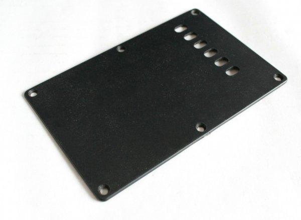 Escudo traseiro (back plate) com 6 furos preto de plástico p/ guitarra Strato  - Luthieria Brasil