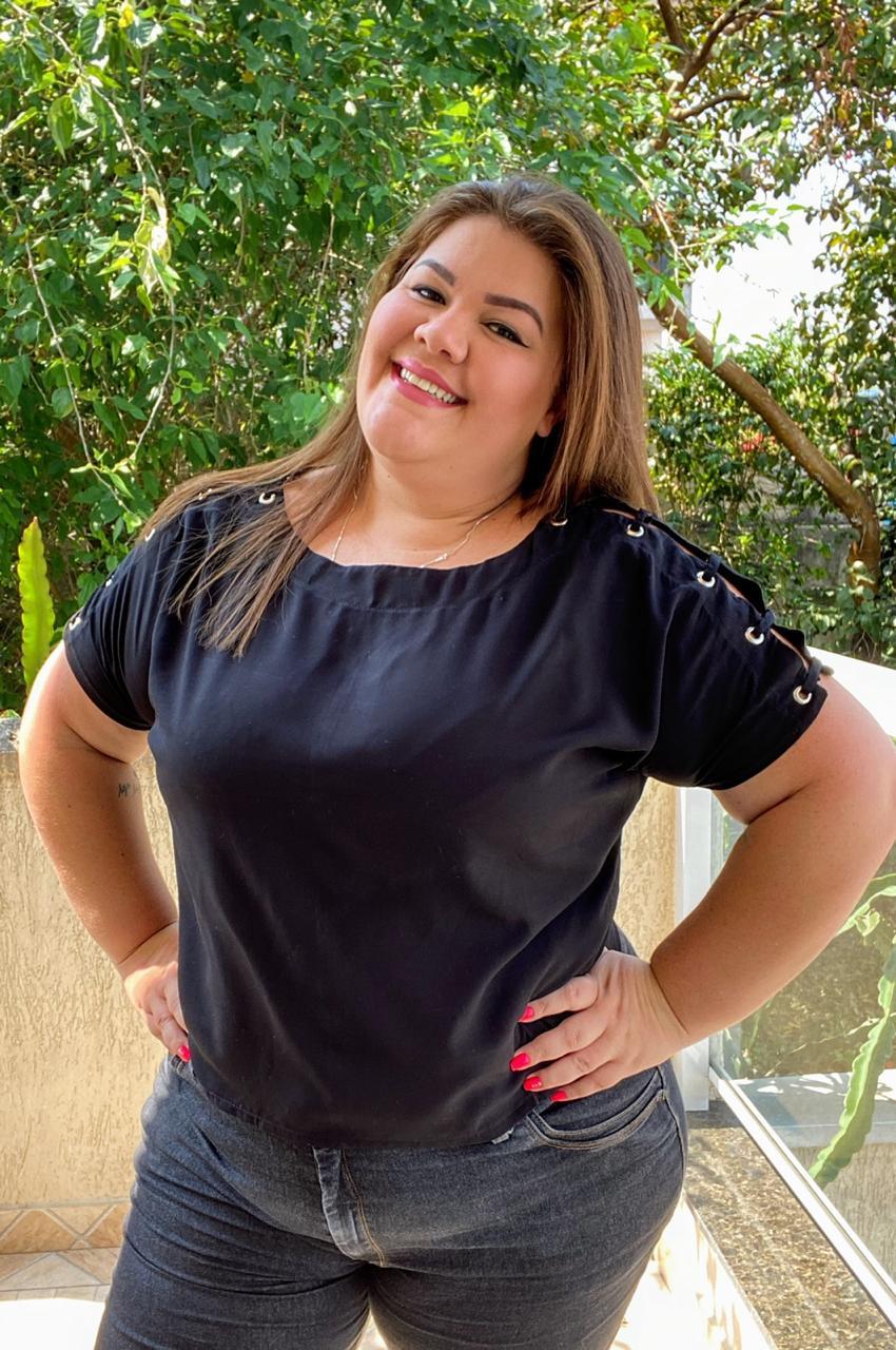 Blusa Plus Size de Ilhos  - Ca Brasileira