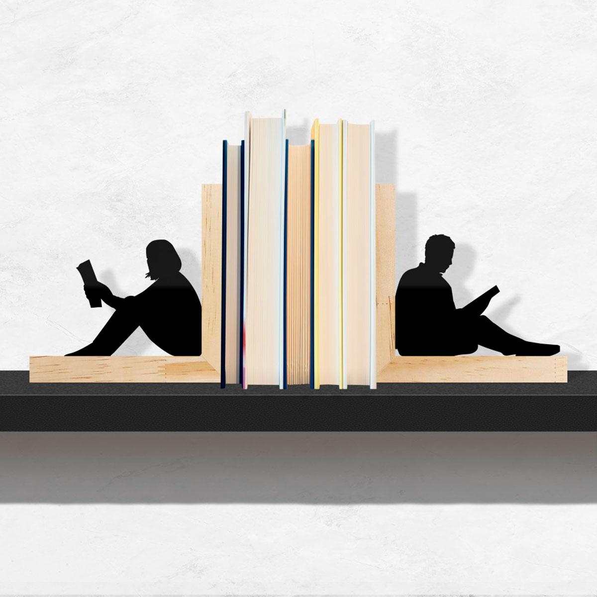 Aparador De Livros Adultos Lendo Base Pinus