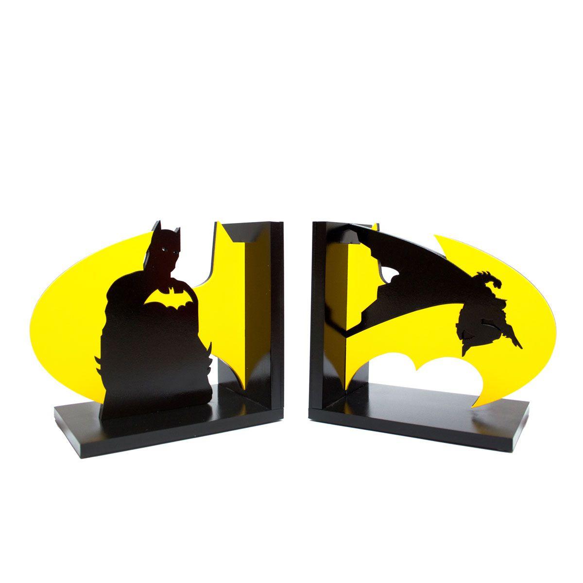 Aparador de Livros Batman Em Ação e Logo Amarelo