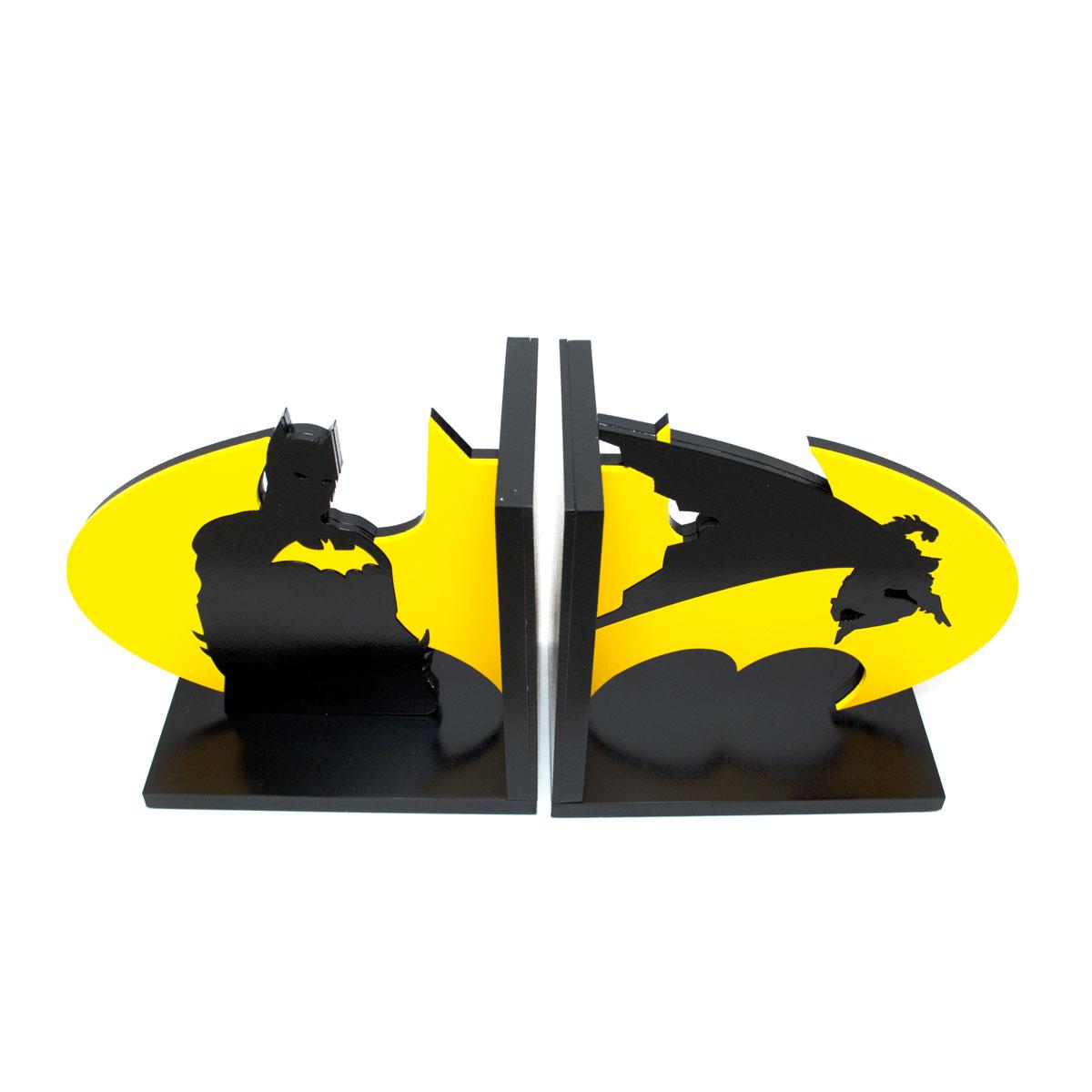 Aparador de Livros Batman Em Ação e Logo Amarelo FBA