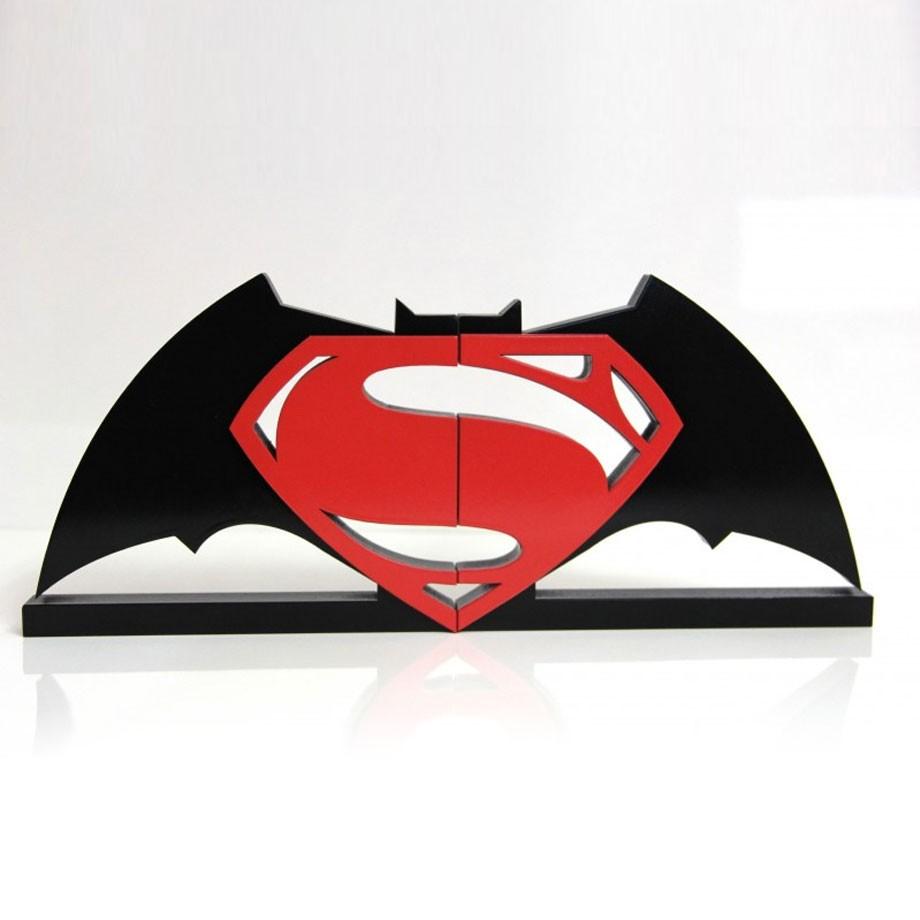 Aparador de Livros Super Herói - Batman vs Superman