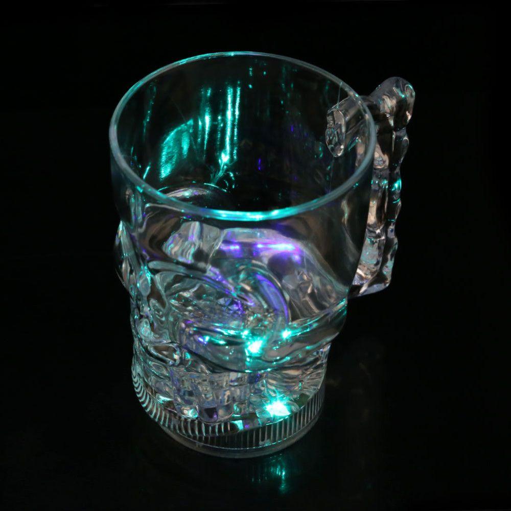 Caneca Caveira Com Led - 3 modos de luz 3 cores - 630ml