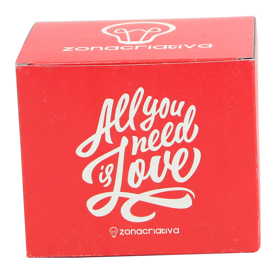 Caneca Retrô All We Need Is Love