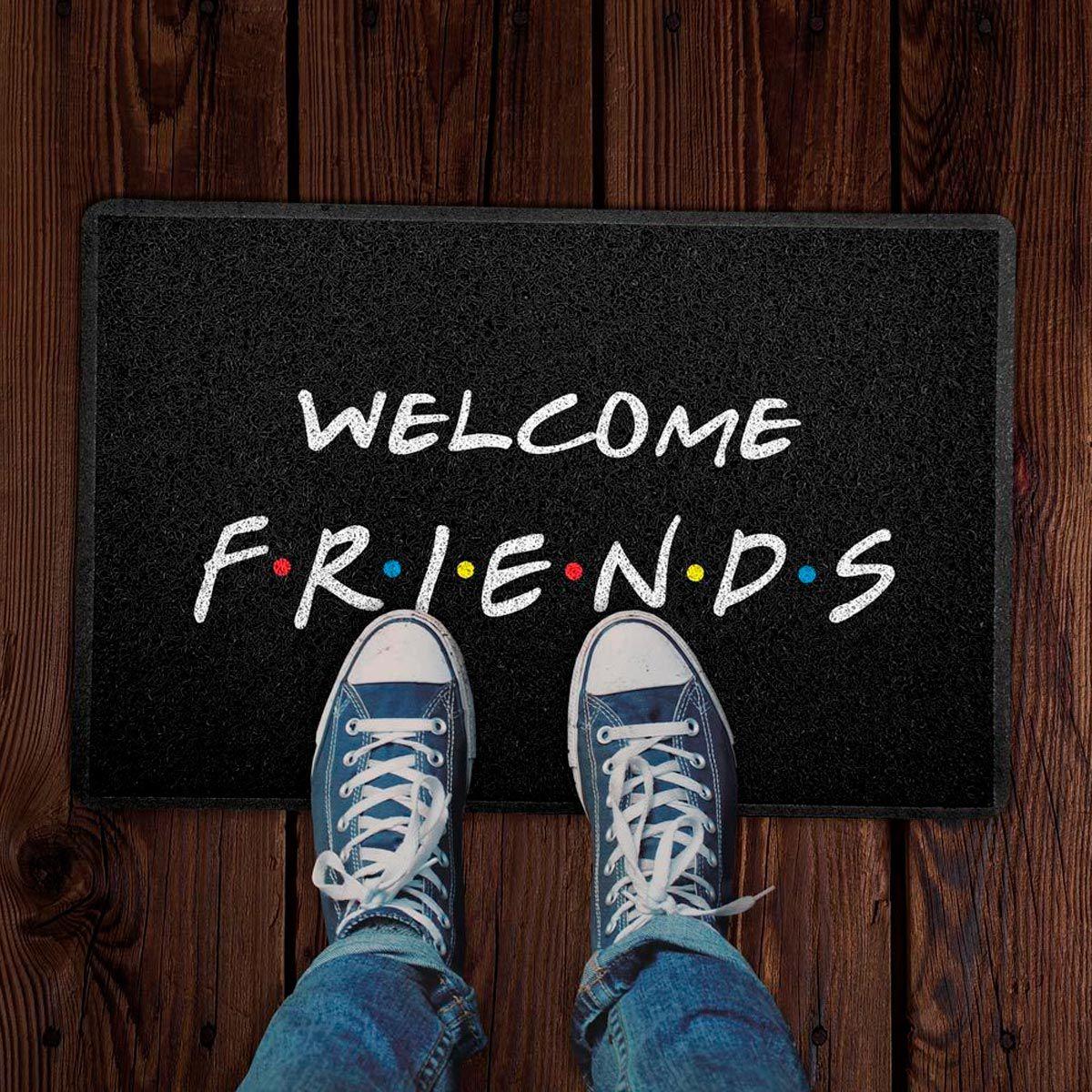 Capacho Decoração Geek 60x40cm Welcome Friends Preto - Seriado Friends
