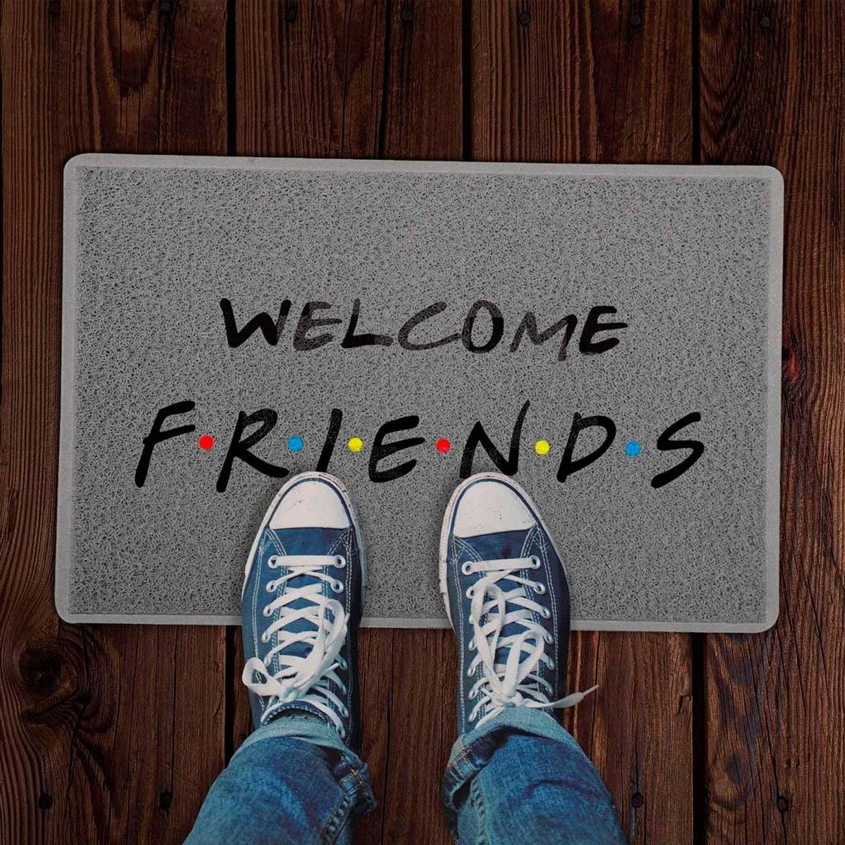 Capacho Decoração Geek 60x40cm Welcome Friends - Seriado Friends