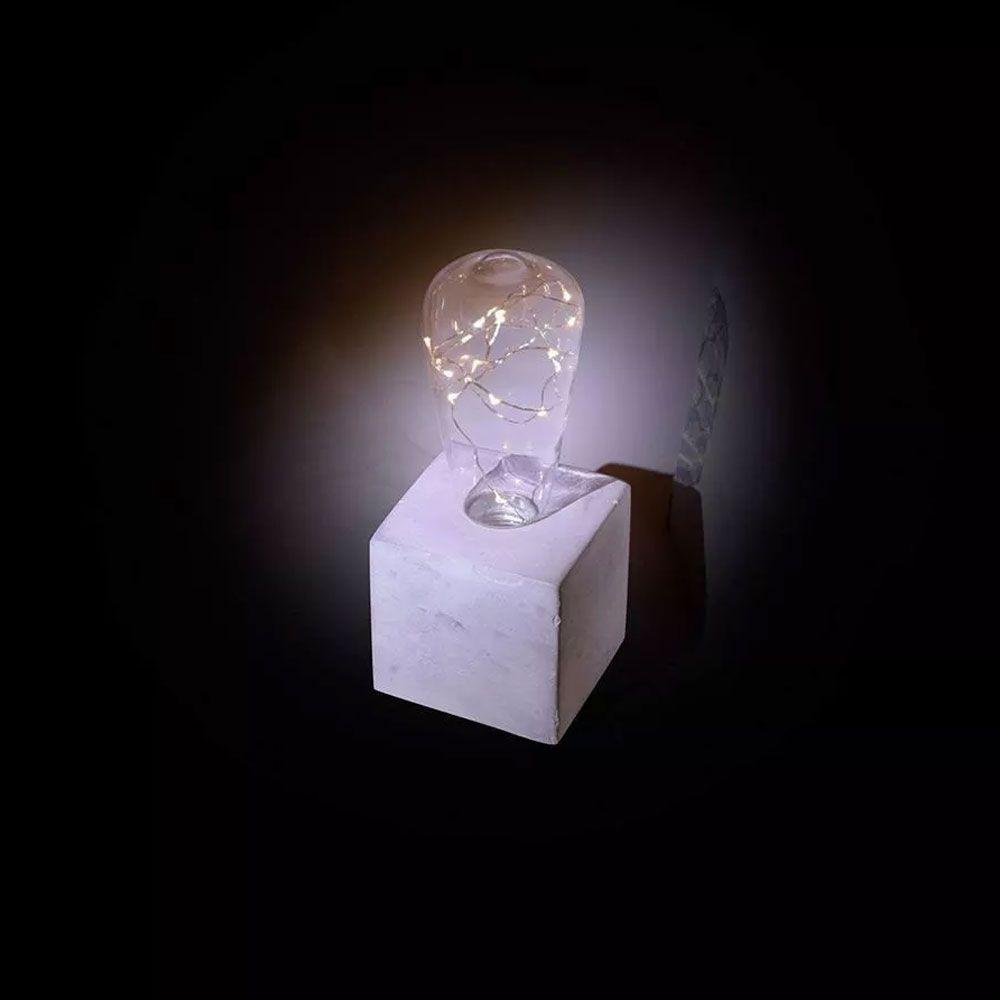 Luminária Led com Base de Concreto Quadrada