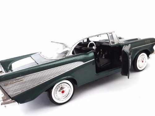 Carrinho Miniatura Chevrolet Bel Air 1957 Verde 1:24