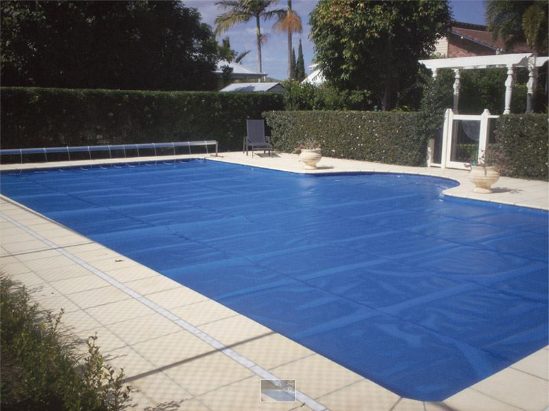 Capa térmica bolha para piscinas de 8x4 (32m²)