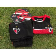 Kit dos pais (camisa treino + bermuda + chinelo + caixa)